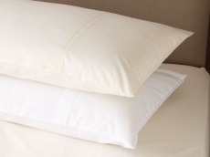 WELLS Luxury Emilie 220 Thread count Percale 100% cotton range