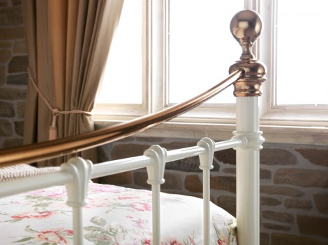 WELLS Black & Brass Bedstead no. 4