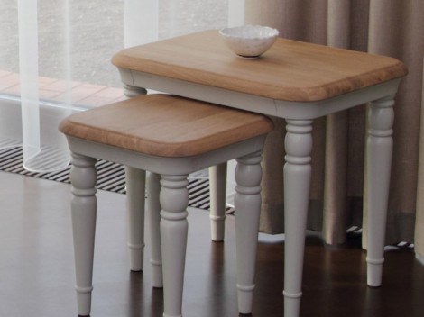 WELLS Huntingdon Dining range Round extending single pedestal table